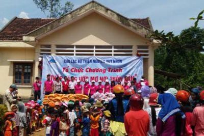 Câu lạc bộ Thiện nguyện Quy Nhơn trao tặng 351 suất quà cho học sinh nghèo, khó khăn trường Mẫu giáo An Hưng, Tiểu học An Trung